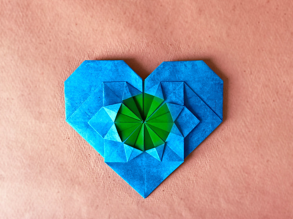 Flower In A Heart Andrey Lukyanov Folded From Cp In Ioi Flickr