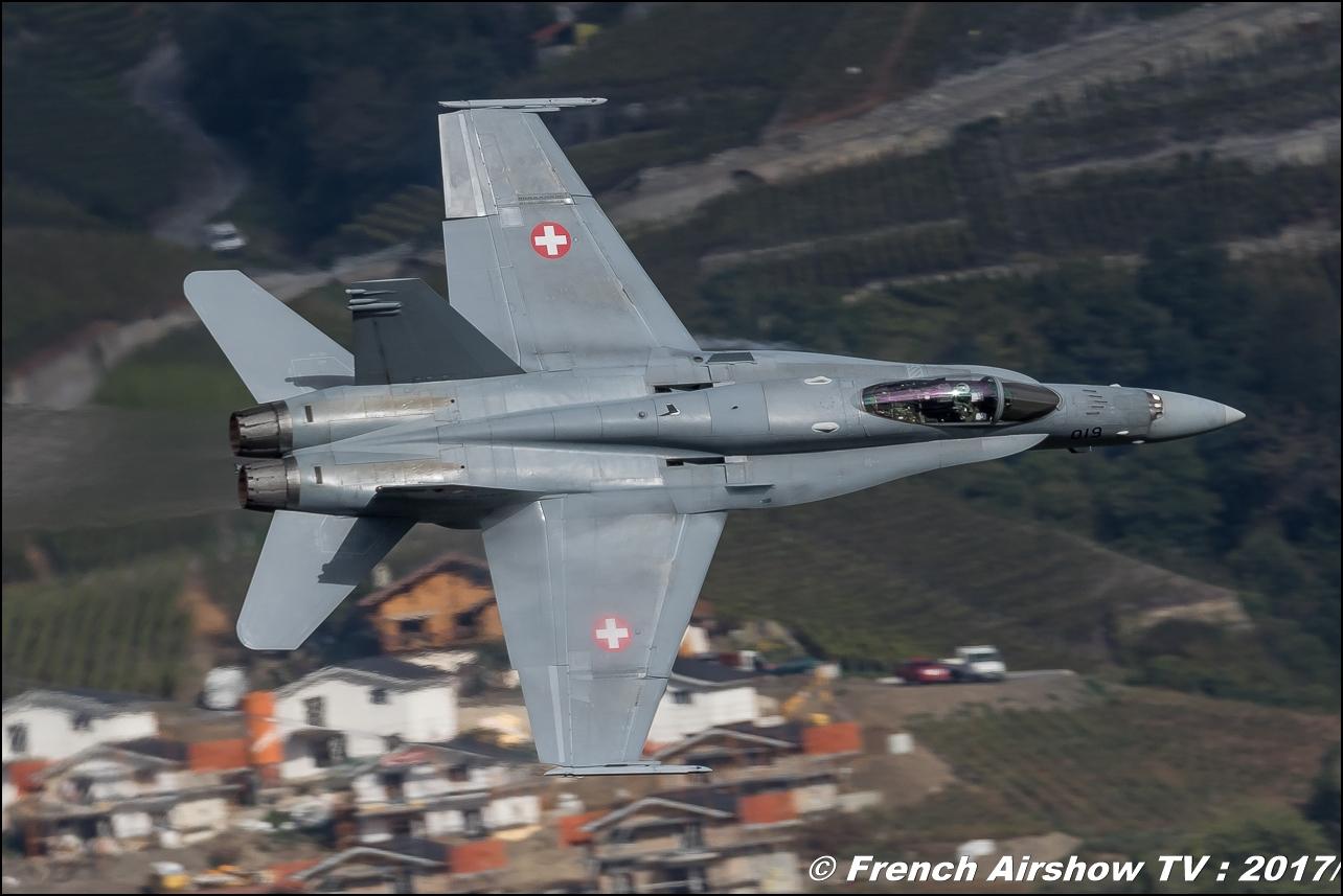 F/A-18 Hornet - Suisse - Schweizer Armee , Breitling Sion Air Show 2017 , sion airshow , montagne , Alpes suisse , Canton du Valais , SWISS HORNET DISPLAY TEAM, Meeting Aerien 2017
