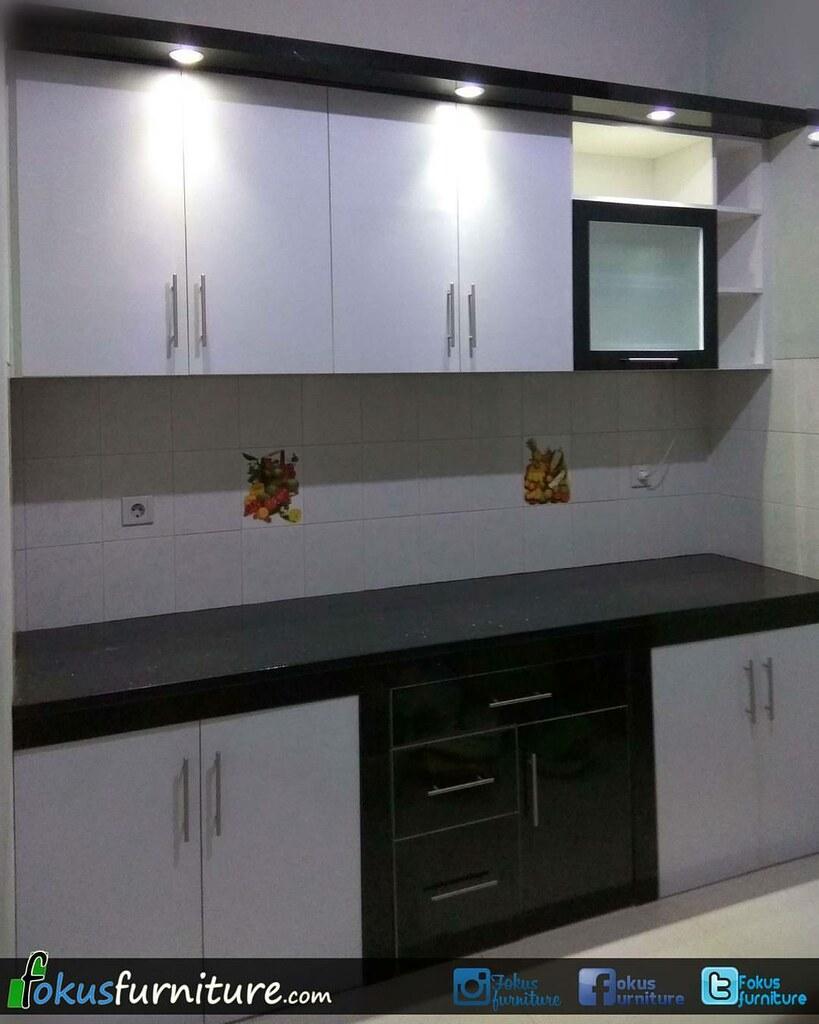 Kitchen Set Model Lurus Finishing Hpl Hitam Putih Di Penga Flickr