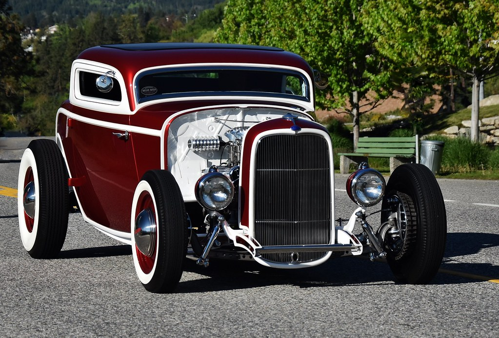 1932 Ford 3-window coupe \