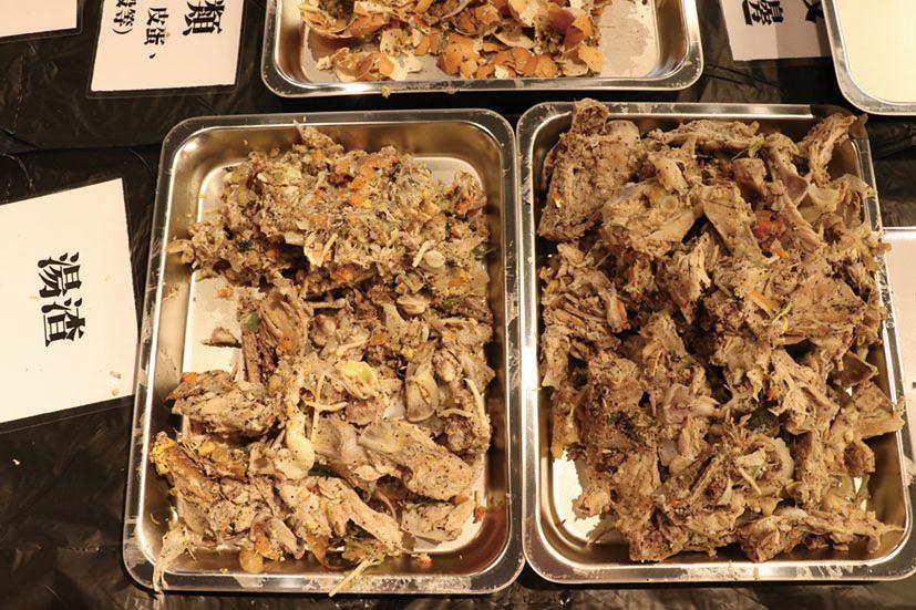經廚餘查核,這次參訪餐廳一天的廚餘約7公斤,近8成為餐前廚餘,其中以湯渣為最大宗。