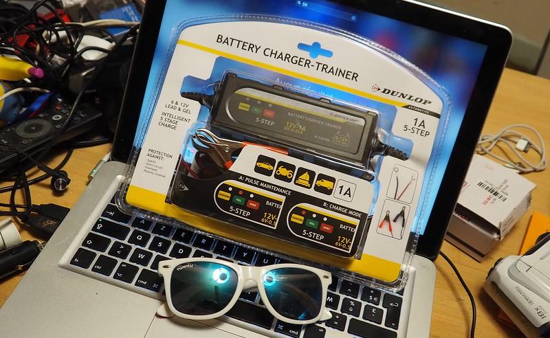 Regulateur de charge batterie Dunlop chez Action à 10 balles 24919756568_1c7f9390c3_c