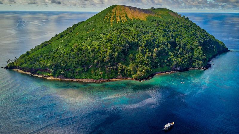Pulau Manuk buceo mar de banda