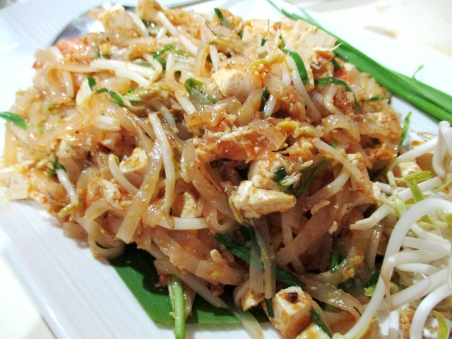 Flavours Thai Kitchen pad Thai 2