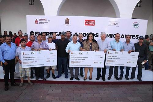 Entregan apoyos a 100 migrantes sinaloenses repatriados de Culiacán, Elota y Navolato