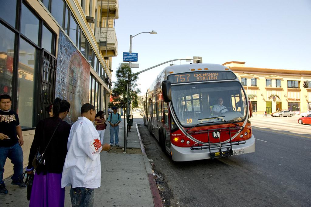 美國洛杉磯公車。圖片來源:Ian Freimuth(CC BY-NC-ND 2.0)