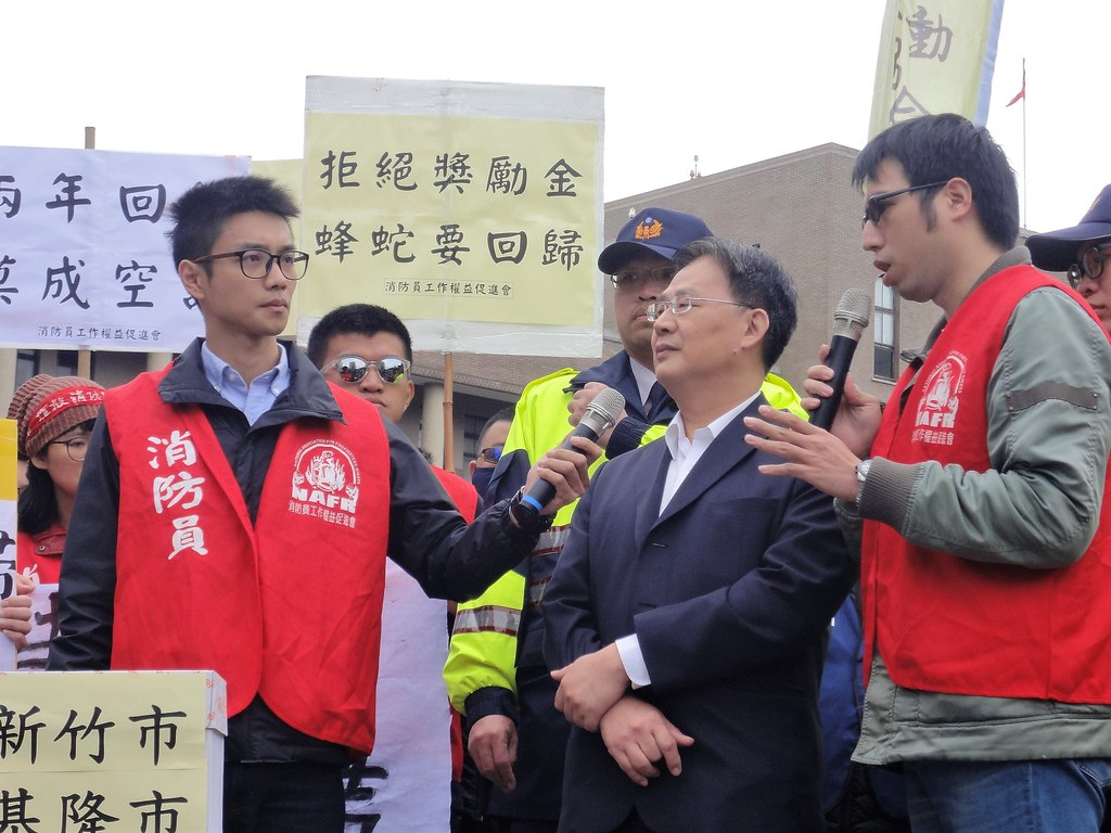 行政院災害防救辦公室參議方德勝說「消防員非勞工」,遭批講幹話。(攝影:張智琦)