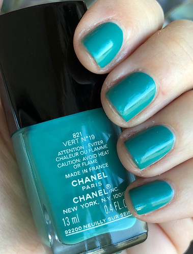 Chanel Vert No 19 | by purple yellow