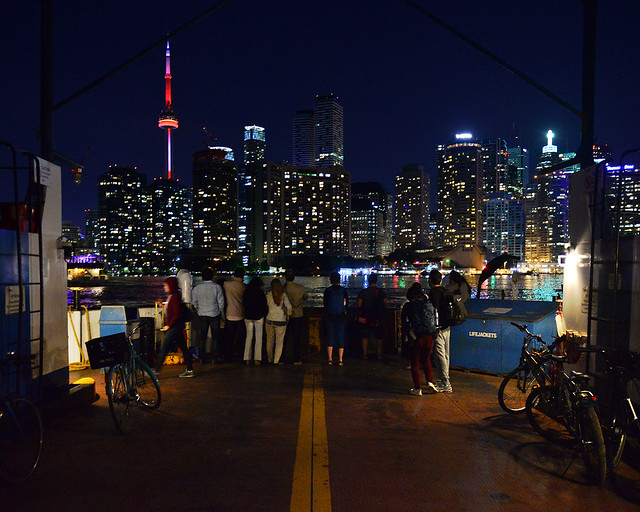 Regreso en el ferry de Ward's Island a Toronto