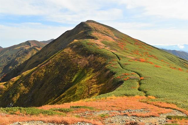 朝日連峰 紅葉の寒江山