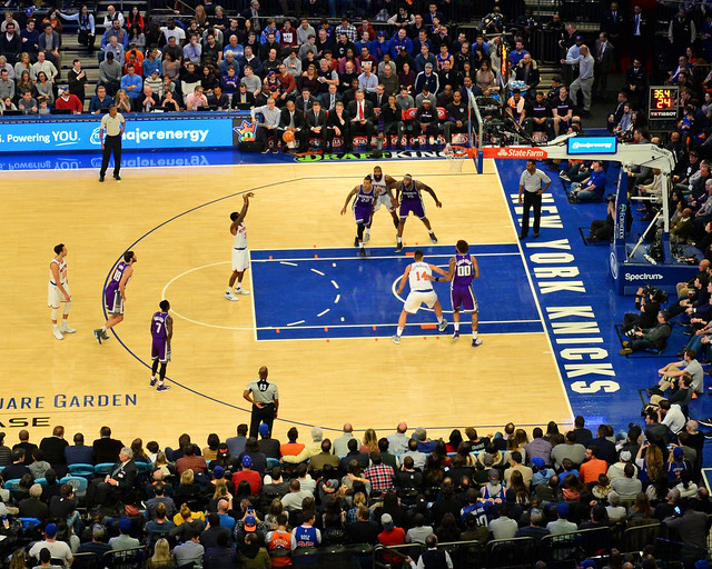 Lanzamiento de tiro libre durante el partido de la NBA que vimos en el Madison de Nueva York