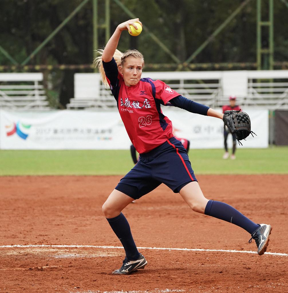 凱撒勇士捷克籍洋將Veronika Peckova。(企業女子壘球聯賽提供)