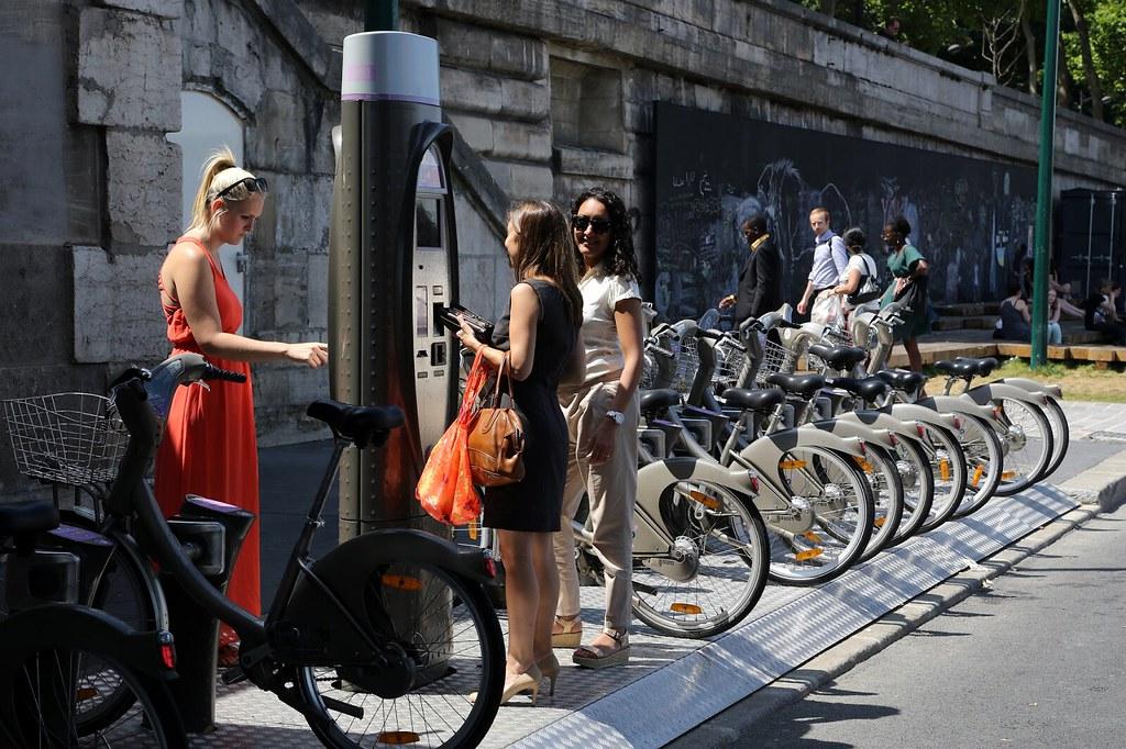 當民眾習慣「無車空間」的各種好處,才可能改變個人的交通選項。圖片來源:低碳生活部落格。
