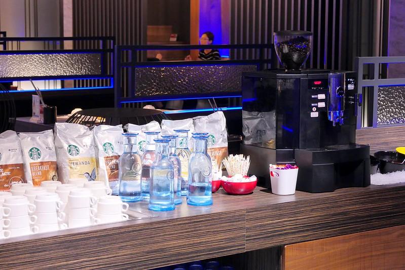 27093211629 e4c8eafdba c - 熱血採訪│星巴客咖啡免費無限暢飲在哪裡?日本和牛大賽冠軍的宮崎牛通通在台中悅上引鍋物料理,早上八點半就可以大快朵頤了!