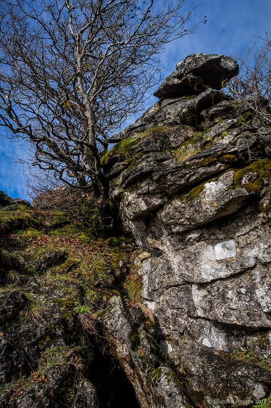 Por detrás de la roca de Bargagain