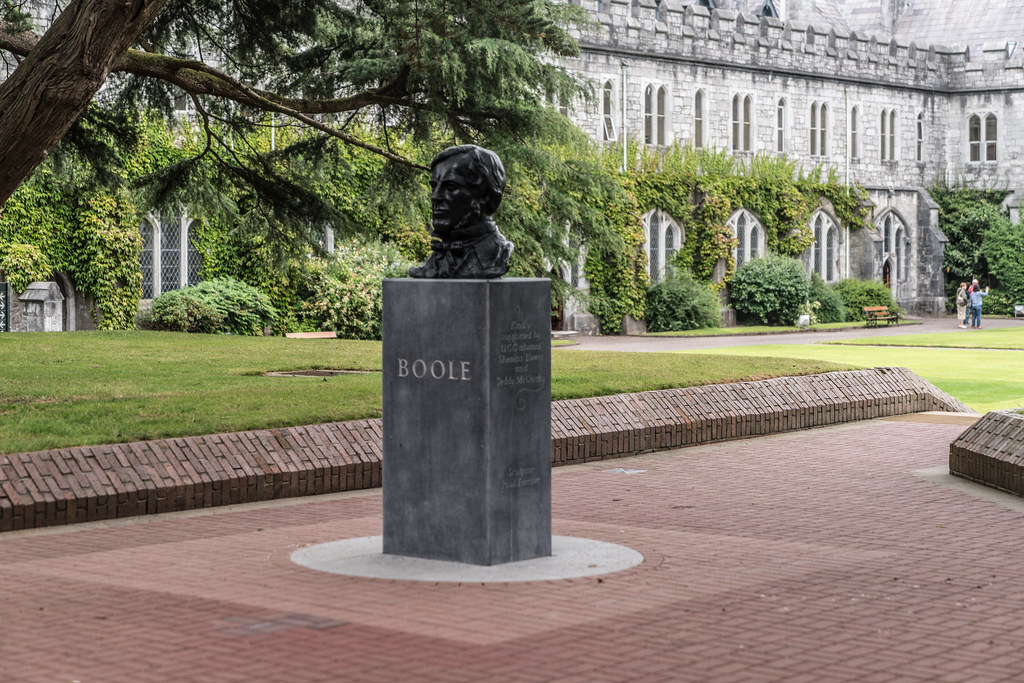 BUST OF GEORGE BOOLE 001