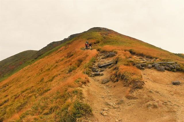 避難小屋から以東岳山頂へ