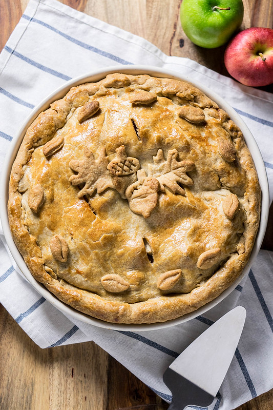 Classic Apple Pie | cookingalamel.com