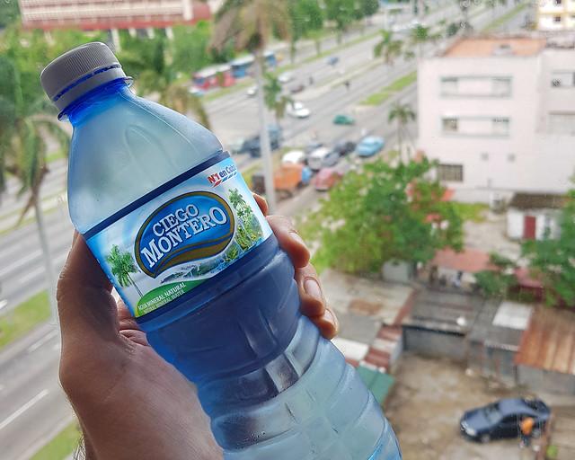 Agua mineral ciego montero, en mi apartamento de Cuba