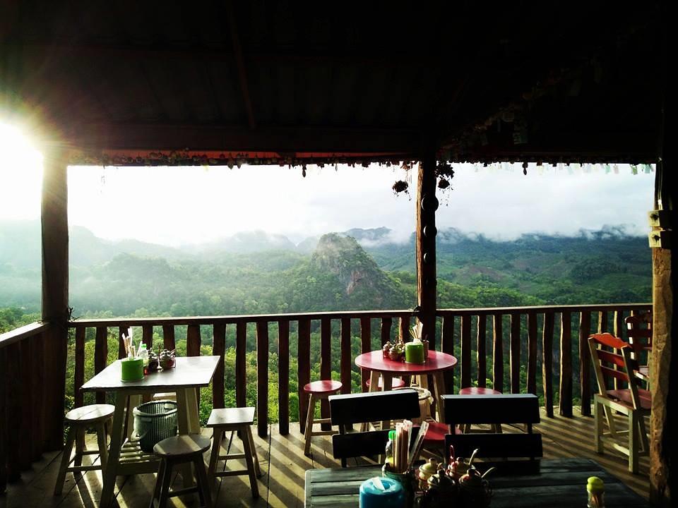 Bon ja bo Hill noodle : 泰国拜县270度悬空景观餐厅 泰国旅游 第2张