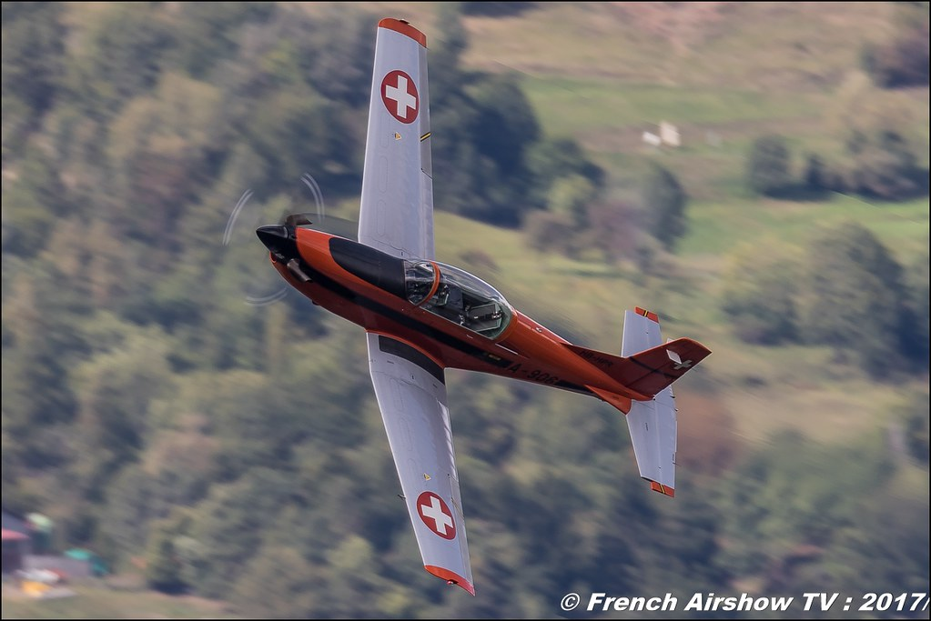 Pilatus PC-7 , T7-FMA , T7-FUN - Oris swiss watch , Breitling Sion Air Show 2017 , sion airshow , montagne , Alpes suisse , Canton du Valais , Meeting Aerien 2017