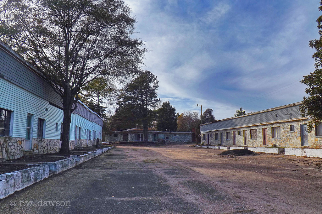 an eerie abandoned motel king george county virginia flickr