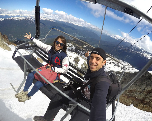 En telesilla rumbo al Peak2peak de Whistler, en Canadá