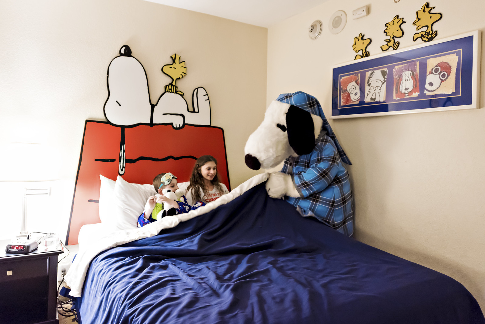 Knotts Berry Farm Hotel - camp snoopy tuck-in