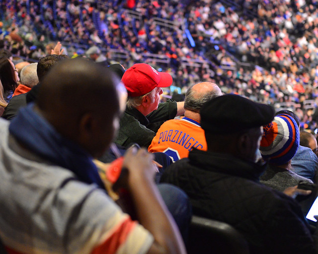 Espectadores que habían comprado entradas para ver la NBA en Nueva York