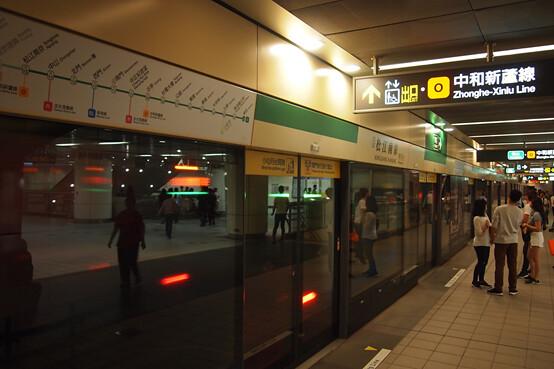 臺北捷運不同階段的場站設計概念,決定了日後的耗能表現。