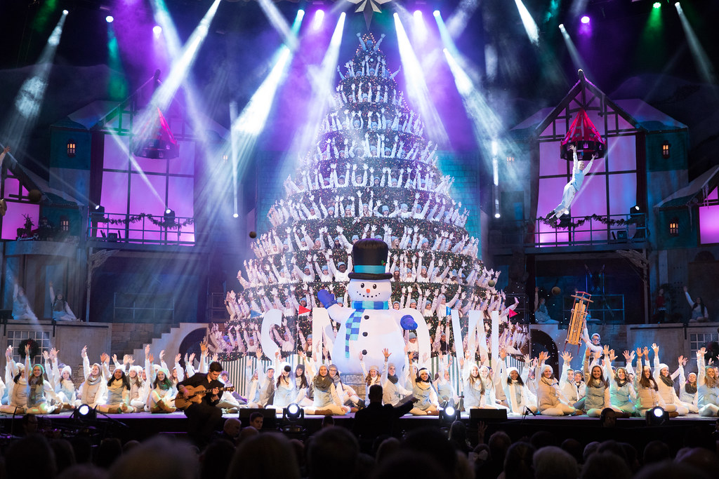... bellevuememphis Singing Christmas Tree 2017 | by bellevuememphis - Singing Christmas Tree 2017 Bellevue Baptist Church Memp… Flickr