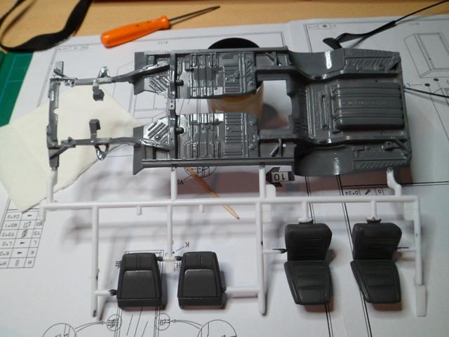 Défi moins de kits en cours : Dodge Charger R/T 68 [Revell 1/25] *** Terminé en pg 8 - Page 2 27079223029_db60f7f86c_z
