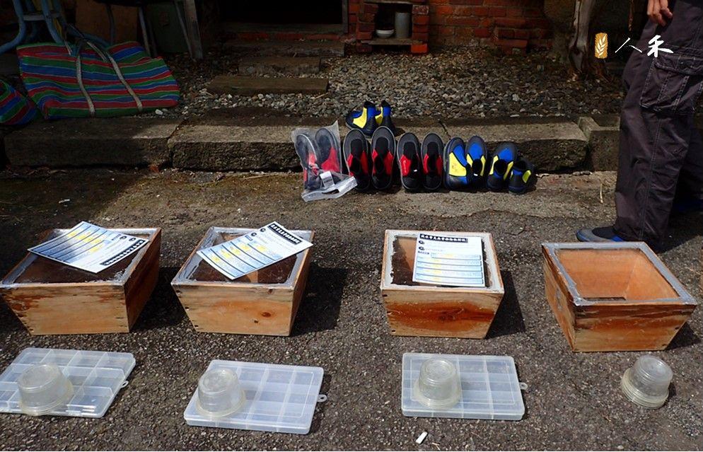3_溯溪鞋、窺箱、圖鑑、水下相機,都是溪流調查的好工具。(圖片來原:人禾)