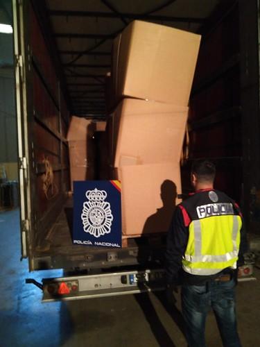 AionSur 37547796345_4cf6979c99_d Incautadas más de 13 toneladas de hojas de tabaco de contrabando en Alcalá de Guadaíra Sucesos
