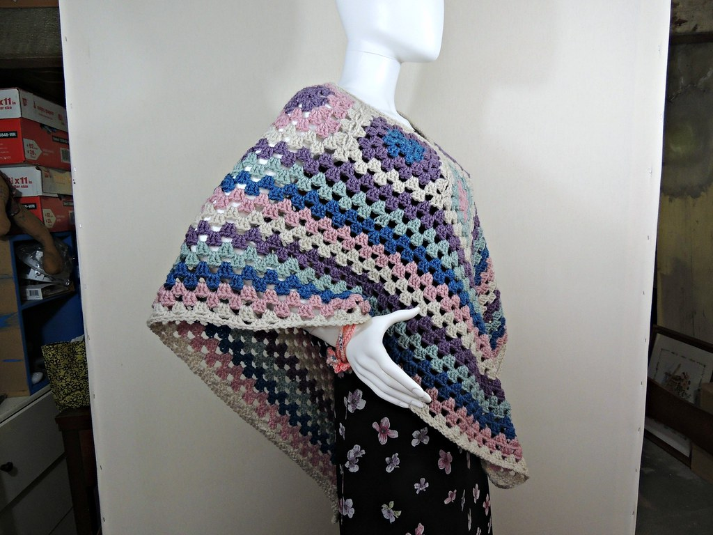 Full Size Granny Border Poncho Crochet Pattern By Jess Flickr