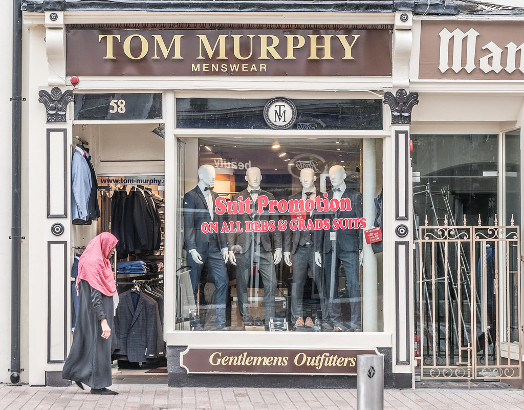 TOM MURPHY MENSWEAR [SUIT PROMOTION]