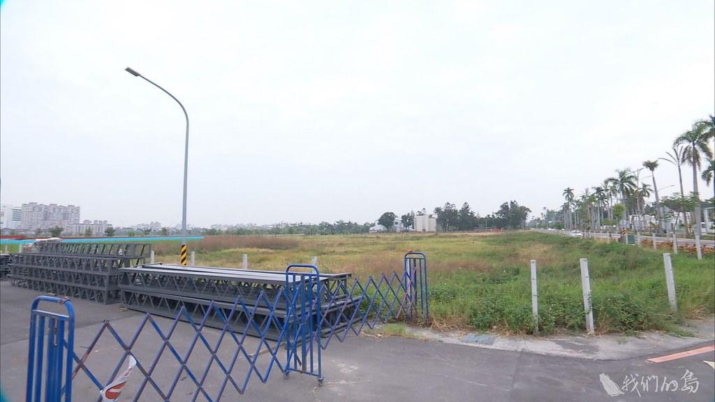 937-1-44自救會強調,鐵路東移地下化後,創造土地利益,就是政府執意要徵收開發道路的理由。