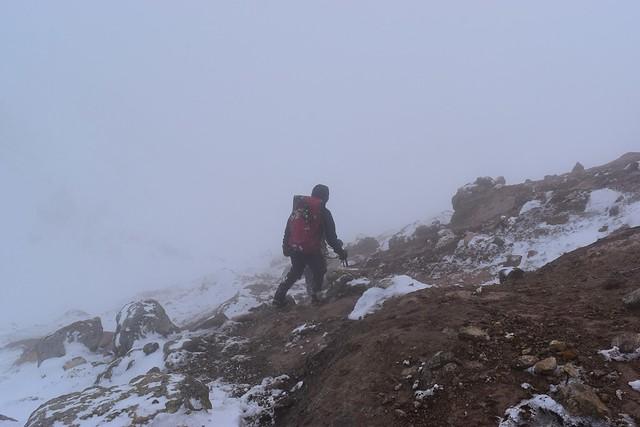 焼岳山頂から下山