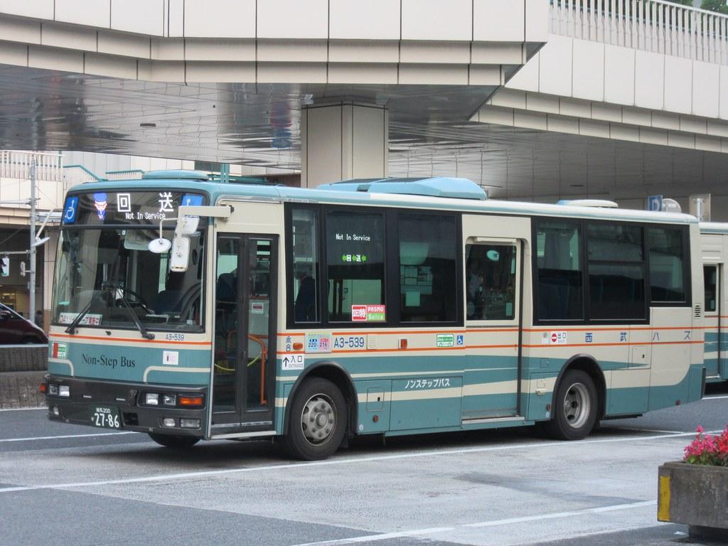 西武バス | 練馬駅(北口)にて ...