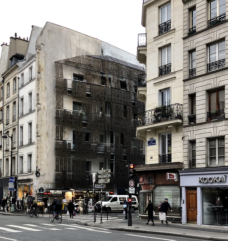 Housing project on the corner of Rue Saint-Antoine and Rue… | Flickr