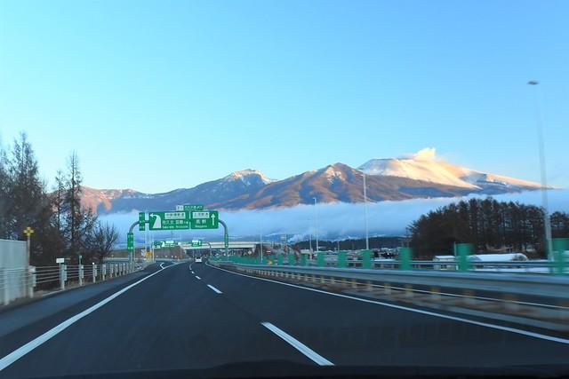 関越自動車道から見えた浅間山