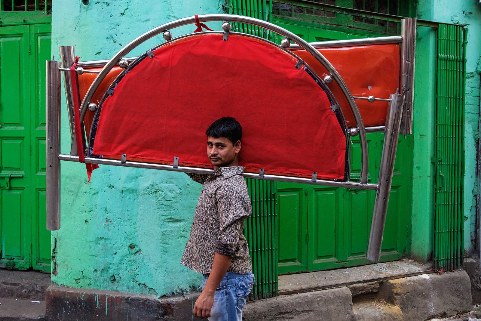 Red and green - Kolkata, India | by Maciej Dakowicz