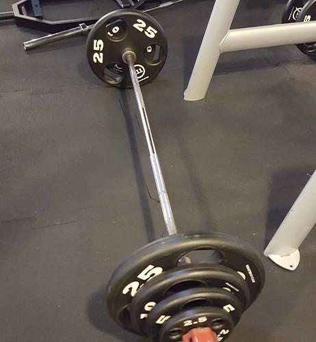 gymrat 5x5 105 kg deadlifts. Fun!...
