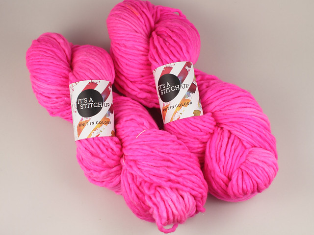 Misfits Sale: Phlump Merino – hand-dyed super chunky superwash Merino wool sparkle yarn 200g – 'Be Safe, Be Seen'