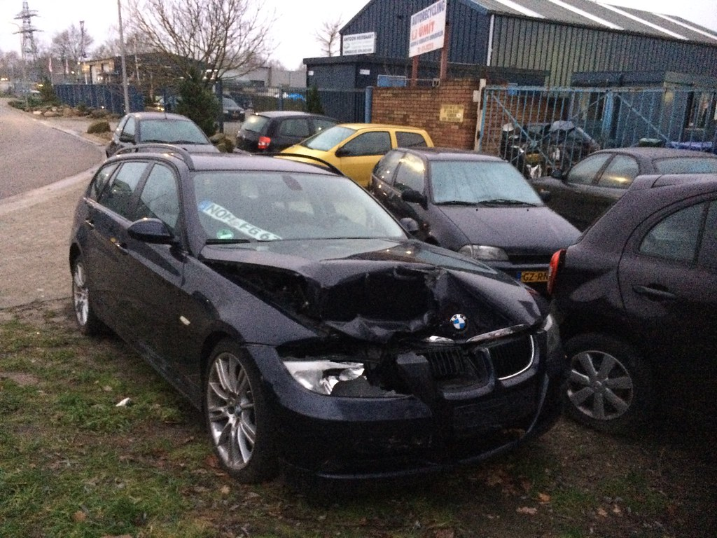 wrecked bmw 3 series touring wrecked bmw 3 series touring flickr