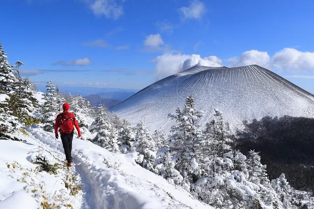 黒斑山~蛇骨岳 日帰り雪山登山