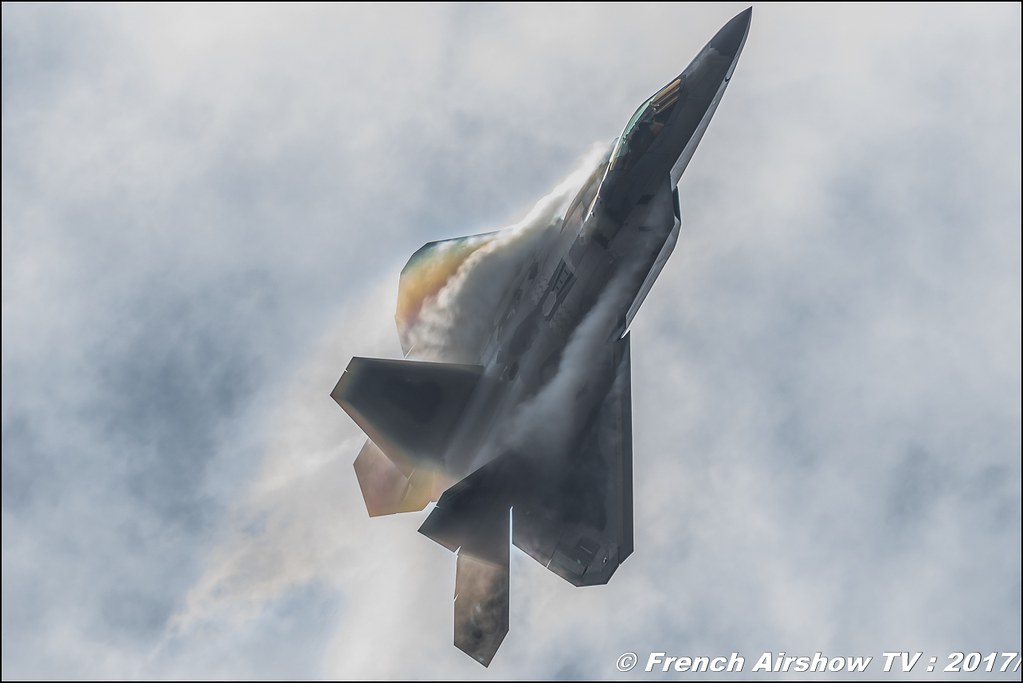 Lockheed Martin F-22 Raptor , 70ème anniversaire de l'US Air Force , USAF F-22A Raptor Demonstration Team , Air Combat Command F-22 Demonstration Team , Royal International Air Tattoo 2017 , Air Tattoo – RIAT 2017 , Fairford , UK Airshow Review 2017 , Meeting Aerien 2017