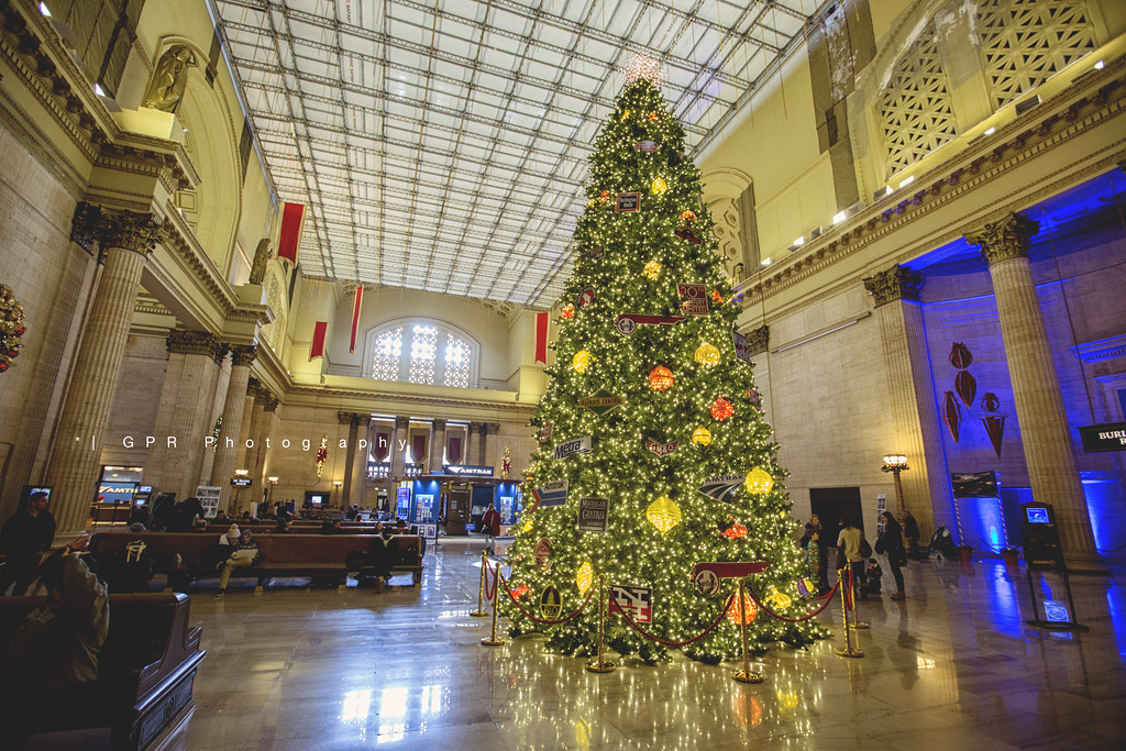 christmas in chicago by riggsy23 christmas in chicago by riggsy23 - Chicago Christmas Station