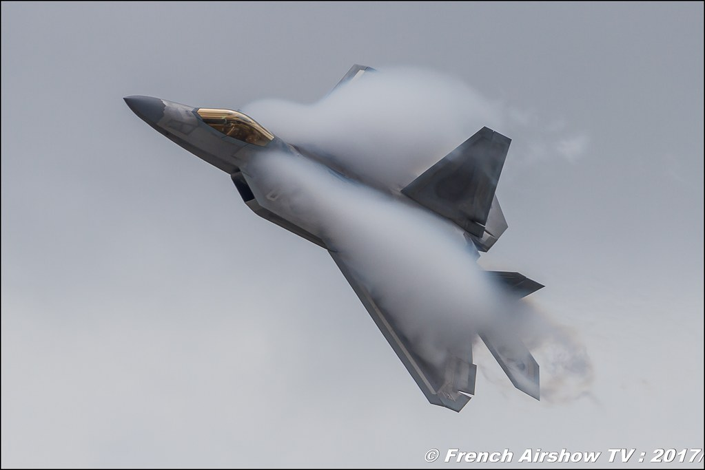 Lockheed Martin F-22 Raptor , 70ème anniversaire de l'US Air Force , USAF F-22A Raptor Demonstration Team , Air Combat Command F-22 Demonstration Team , Royal International Air Tattoo 2017 , Air Tattoo – RIAT 2017 , Fairford , UK Airshow Review 2017 , Meeting Aerien 2017