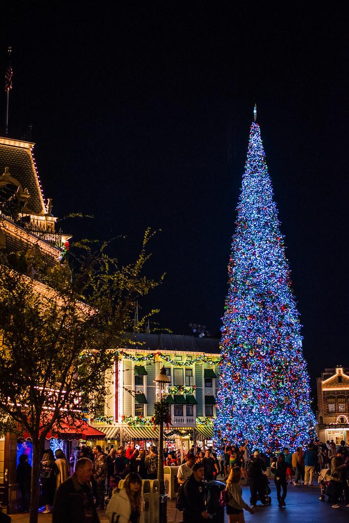 disneyland christmas tree by gmlskis disneyland christmas tree by gmlskis - Disneyland In Christmas